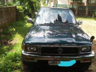 Toyota Hilux LN 109